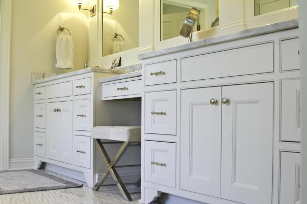 Dressing / Make-Up Table separates Matching Vanities